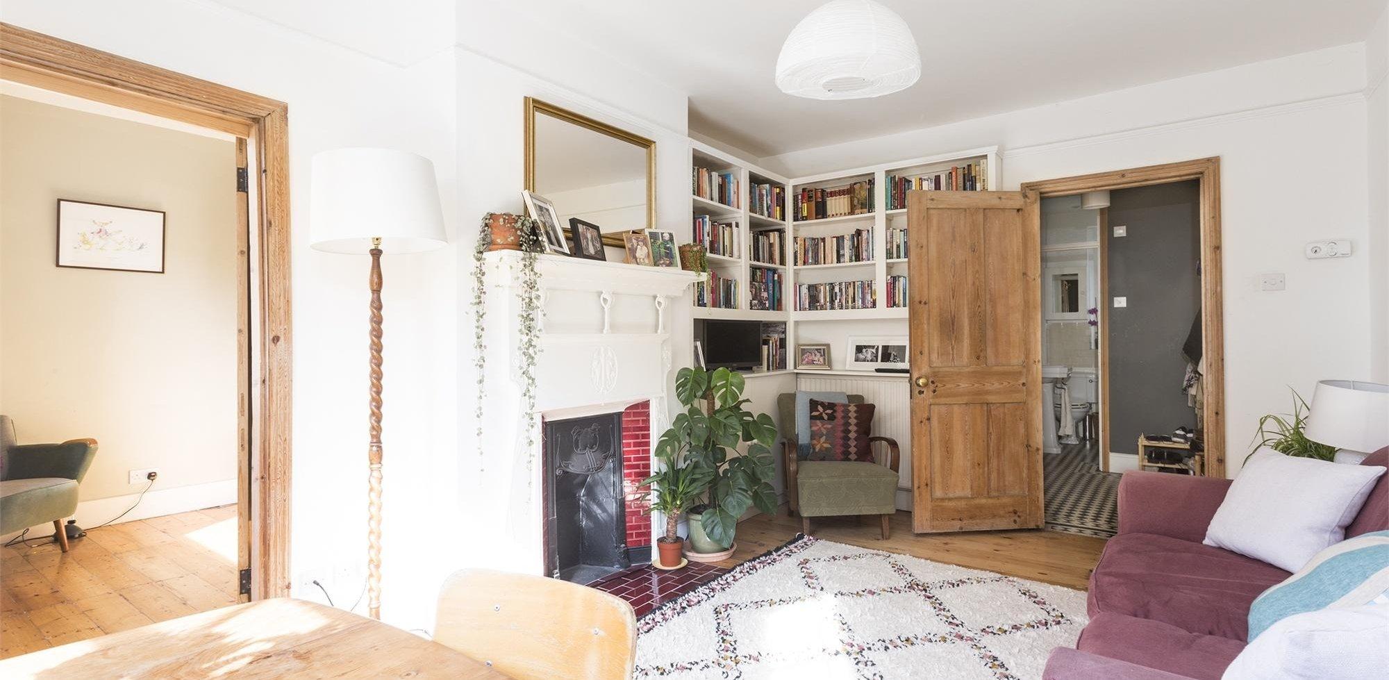 flat for sale in evesham house stanlake road shepherds. Black Bedroom Furniture Sets. Home Design Ideas