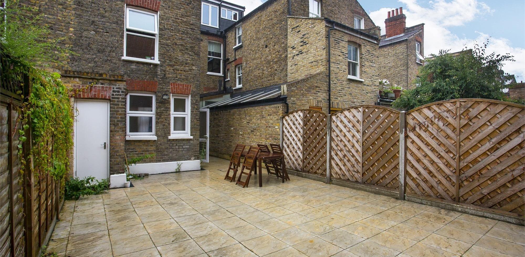 Flat To Rent In Pennard Road Shepherds Bush London